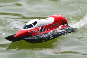 Best RC Boat for Rough Water – Our Top 6 Picks