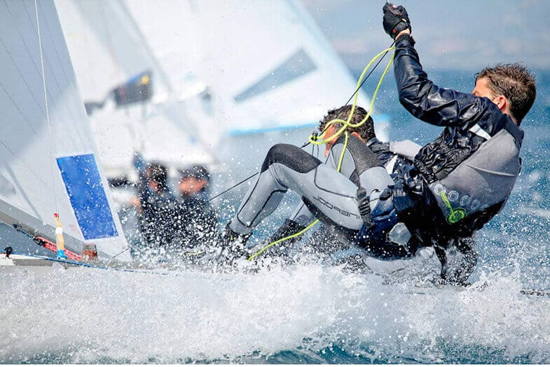 How Should Sailing Gloves Fit?