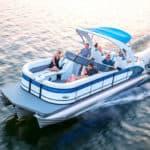 Average Boat Speeds: Sailboat, Pontoon, & Cruiser
