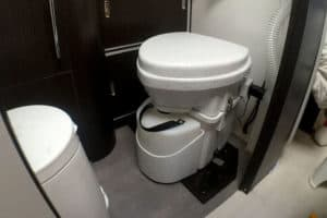 Best Composting Toilet for Boat – Our Top 5 Picks