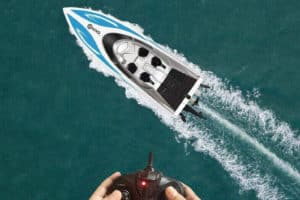 Best Remote Control Boat for Beginners [Our Top 6 Picks]
