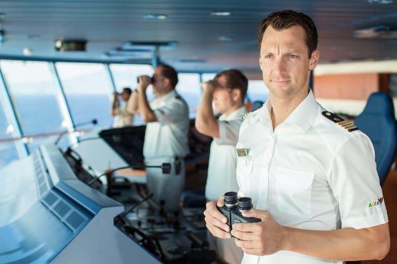 become a cruise ship captain