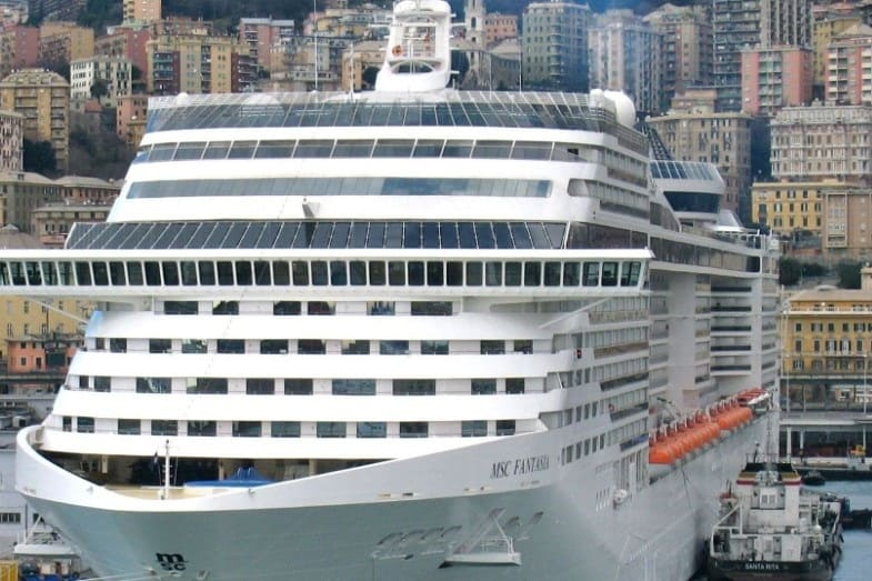 cost of building a cruise ship