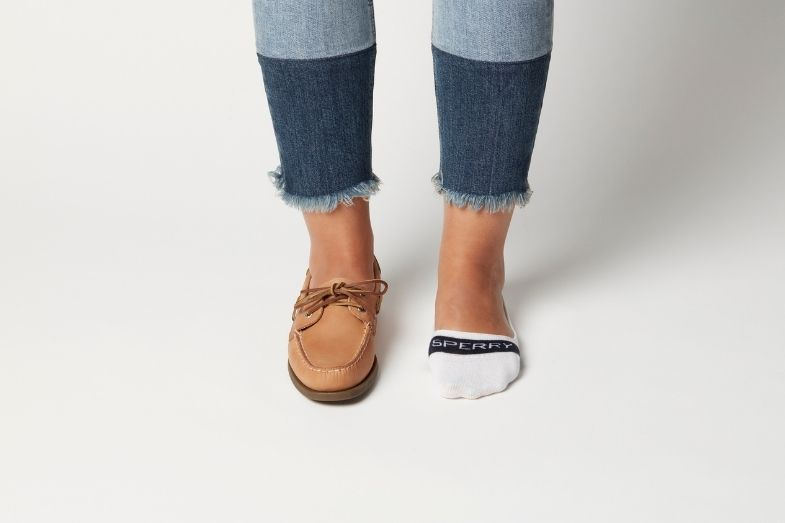 do you wear socks with boat shoes