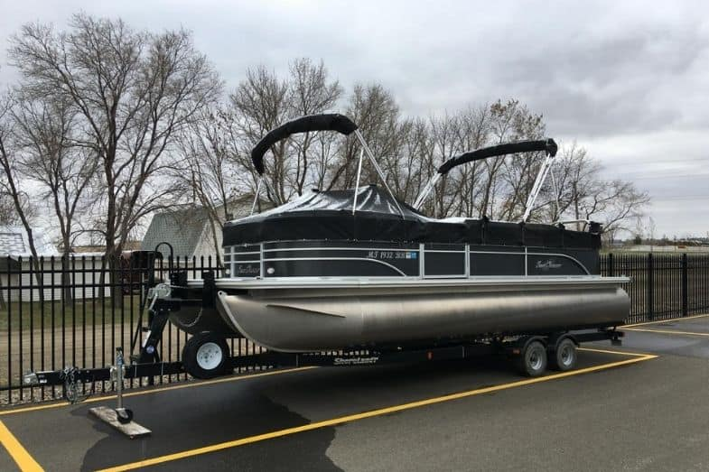 how much does a pontoon boat weight