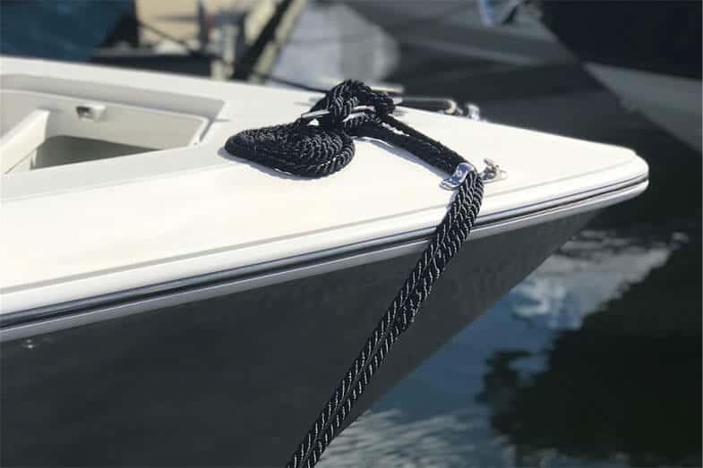Boat Rub Rail Kits – Our 6 Best Picks [TACO Marine]
