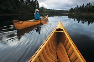 How to Canoe [10 Steps Plus How to Paddle and Steer]