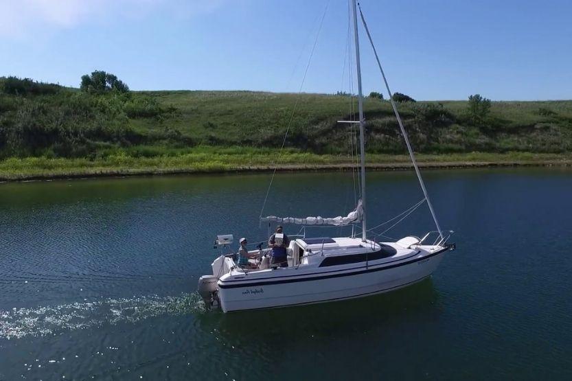 MacGregor 26 sailboat