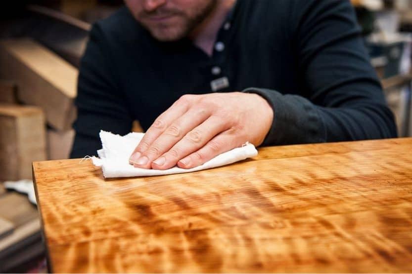 polyurethane vs varnish
