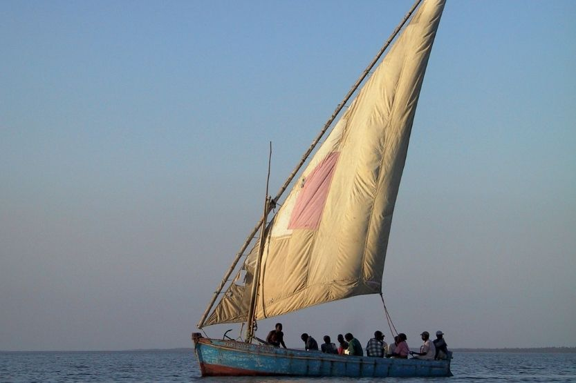 Lateen Sail Definition and History [The Triangular-Shaped Sail]
