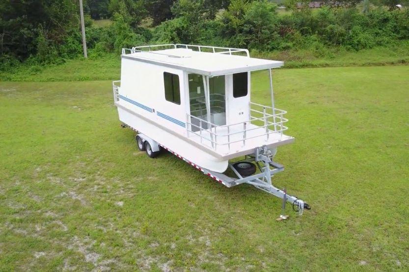 small trailerable houseboats